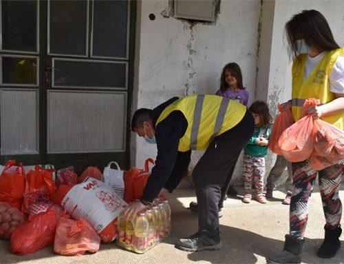 Volonteri Alfa Centra uručili humanitarnu pomoć nikšićkoj porodici Mandić